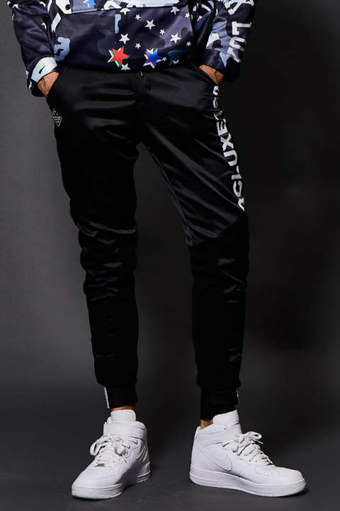 AIR TECH EASY PANTS STANDARD BLACK(8月入荷予定)
